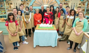 Sandi, Paul, Prue and Noel with this year's Bake Off contestants.