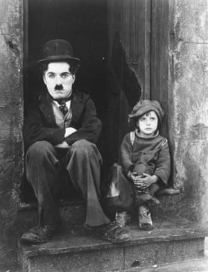 Charlie Chaplin and Jackie Coogan in The Kid (1921).