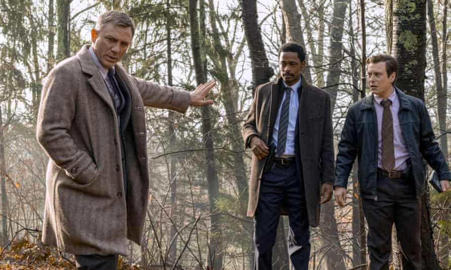 Daniel Craig, Lakeith Stanfield and Noah Segan in Knives Out