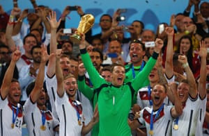 Manuel Neuer lifts the World Cup in 2014