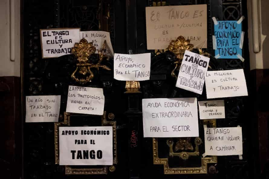 Protest by tango community and milonga directors after one year of closures.
