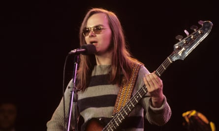 Walter Becker performing with Steely Dan in 1973.