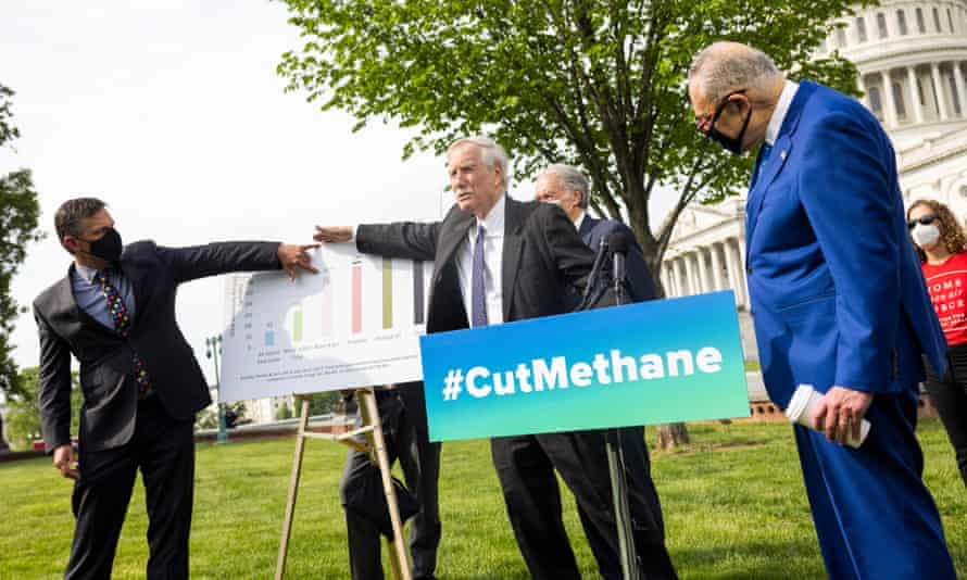 Democrats at a news conference ahead of a Senate vote to reverse the Trump-era policy that limits regulation of methane.