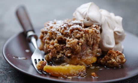 How to eat: apple crumble