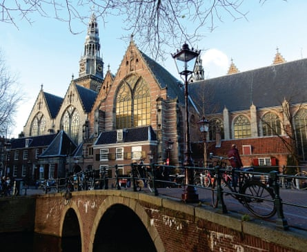 Oude Kerk in Red Light District.