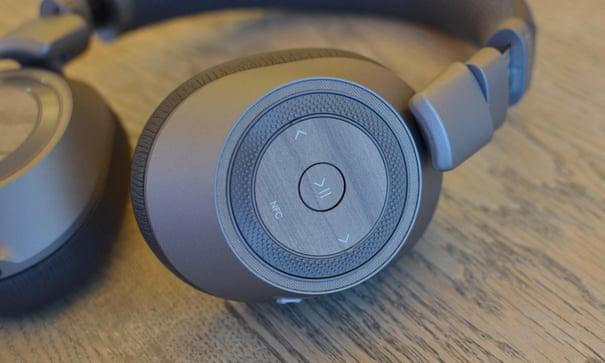 Plantronics BackBeat Pro 2: Bose-level wireless noise