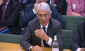Les Hinton giving evidence to the culture, media and sport committee in 2011.