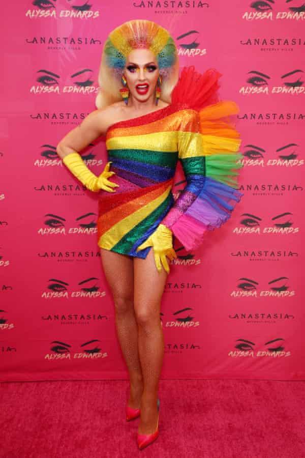 Alyssa Edwards wn rainbow costume
