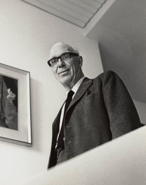 Ove Arup, photographed by Godfrey Argent in 1969