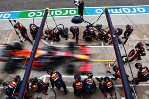 Verstappen makes a pitstop