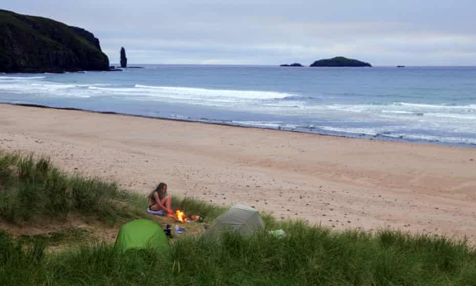 Sandwood Bay. Wild Guide Scotland