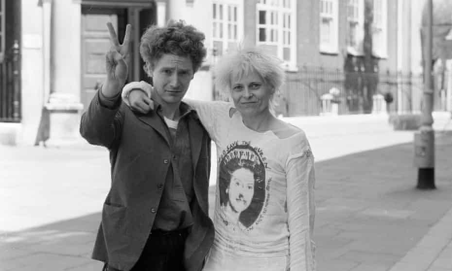 Malcolm McLaren and Vivienne Westwood outside London's Bow Street magistrates court after being remanded on bail for fighting, June 1977
