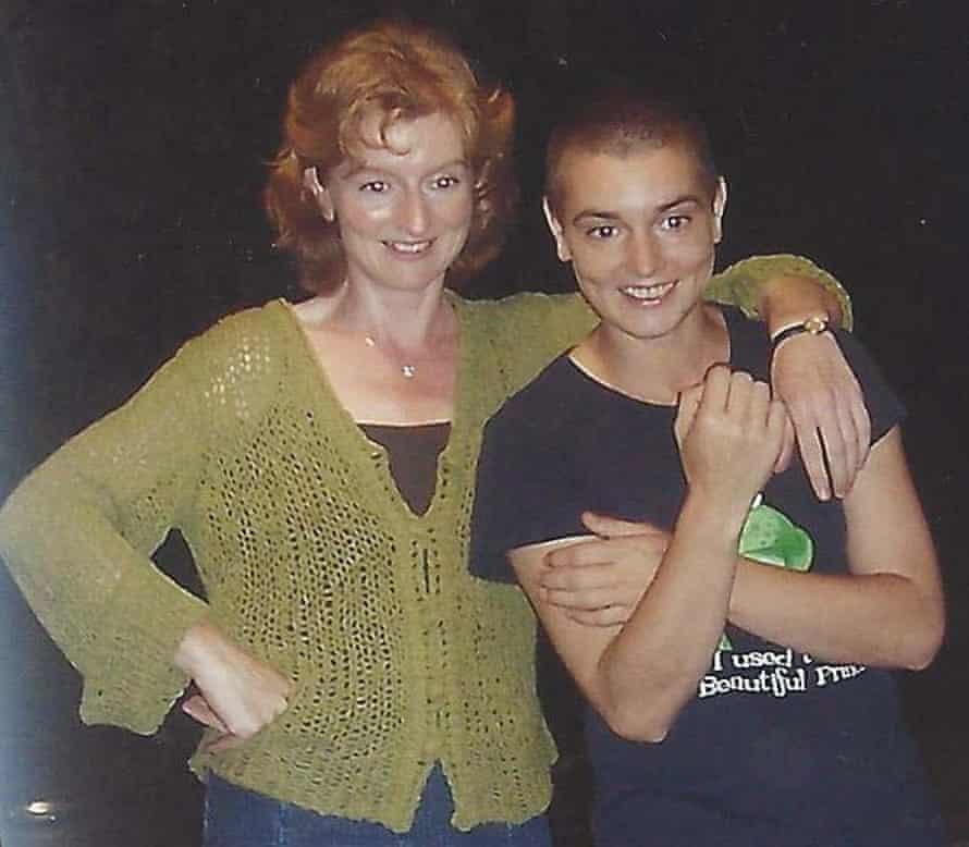 Sinéad O'Connor with her sister Eimear