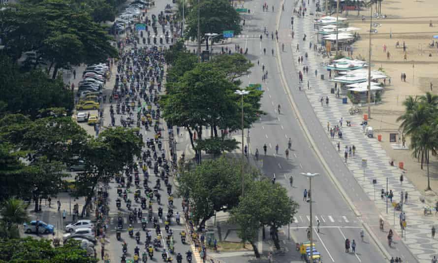 The motorcade at Copacabana beach