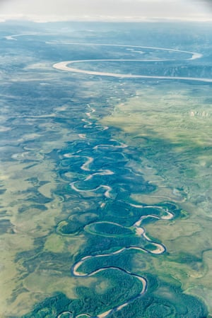 Yukon river, CanadaFor much of its lower course, the Yukon is a slow, winding river with many large meanders and oxbow lakes scattered throughout its floodplain. It is the third-largest river in North America, after the Mississippi and the Missouri, but despite this only four bridges have been built across it.