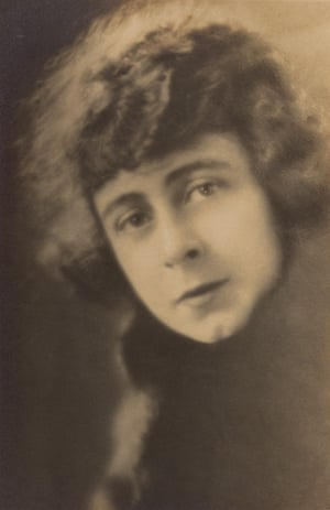 Lottie Lyell as Doreen in Ginger Mick (1920), directed by Raymond Longford