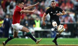 Aaron Cruden tried to rescue the game for the All Blacks with an ambitious cross-field kick to Rieko Ioane in the last minute