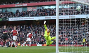 Alexandre Lacazette (second right) sees his shot fly into Jordan Pickford's top-left corner as Arsenal beat Everton 2-0.
