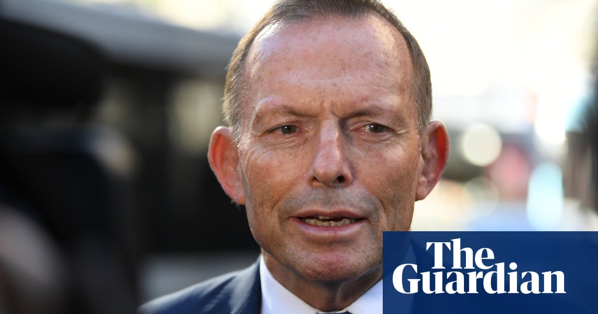 Tony Abbott arrives in Taiwan to address regional forum amid rising tensions with China
