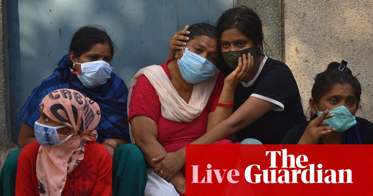 Coronavirus live nuus: emergency supplies from US arrive in India; UK cuts international aid by almost a third