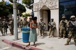 Los Angeles, US A woman talks to members of the National Guard as protests continue in the aftermath of George Floyd's