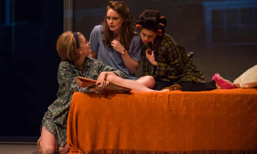 Tess Frazer, Annie Munch and Ariana Venturi in Steppenwolf's production of Mary Page Marlowe.