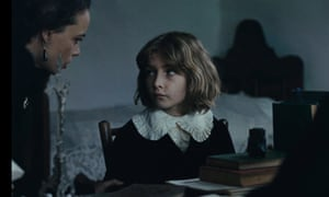 Tom Sweet and Bérénice Bejo in The Childhood of a Leader