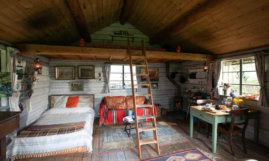 double-bed-and-mezzanine-at-the-log-house-studio-carmarthenshire