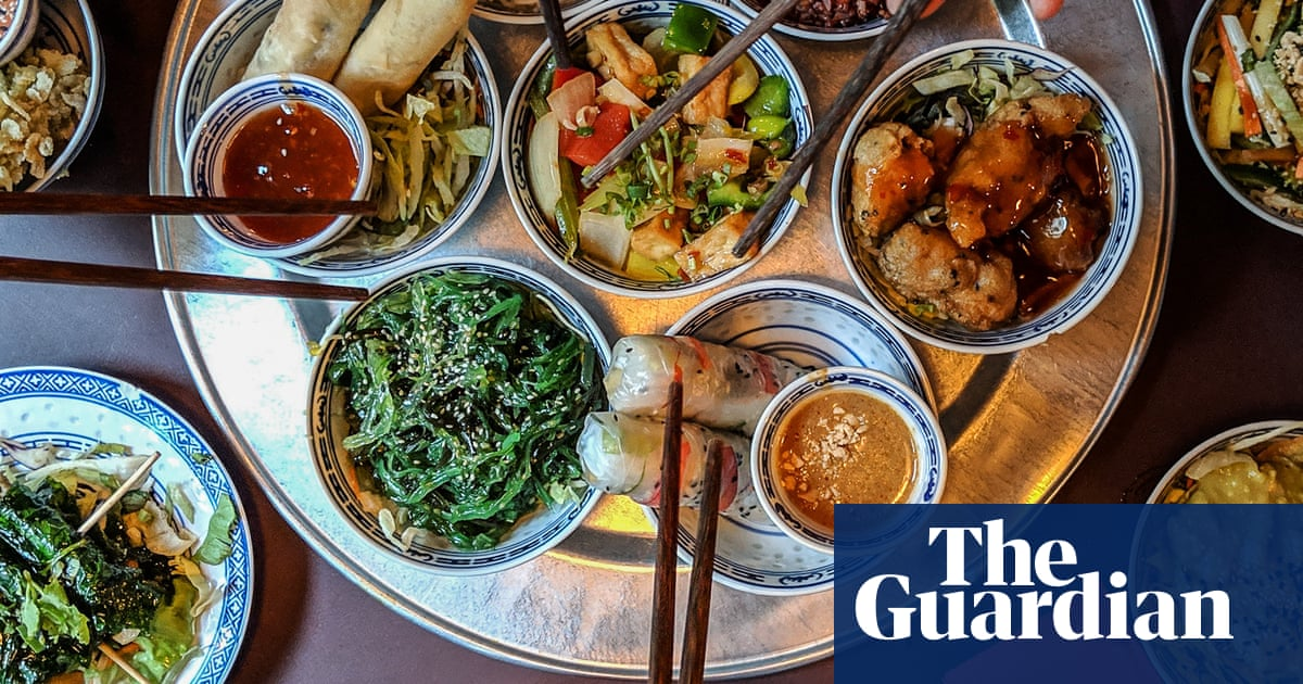 For The Chop Dining Table Revolution Takes Aim At Food Sharing In China World News The Guardian