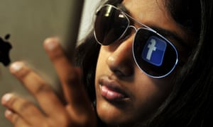 Without much effort there were already around 100 million Facebook users in India by 2014.