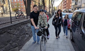 Martin Vogel and his children in Södermalm.