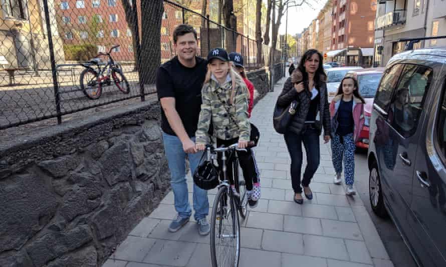 Martin Vogel and his children in Södermalm.