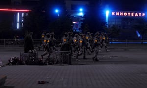 Law enforcement clamping down on the protests in Minsk