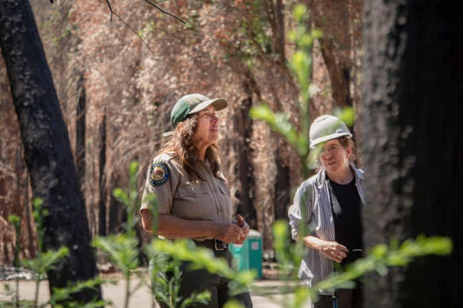 Joanne Kerbavaz, a senior environmental scientist with California state parks, speaks to researchers and students during a tour of the park.
