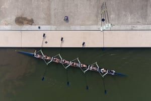 Ely, UK. Oxford University women's boat club train on the River Great Ouse in Cambridgeshire ahead of the 2021 Boat Race