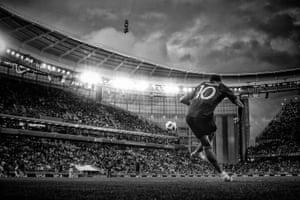 Kylian Mbappé takes a corner against Peru.