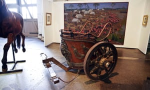 A chariot from Gladiator went for $65,000.