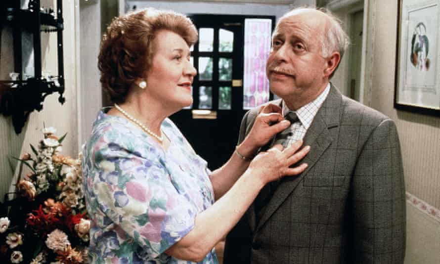 Patricia Routledge & Clive Swift in Keeping Up Appearances.