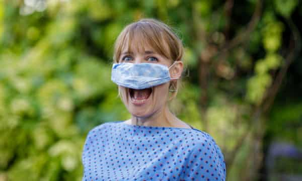 The most common ways we're wearing face masks incorrectly | Coronavirus |  The Guardian