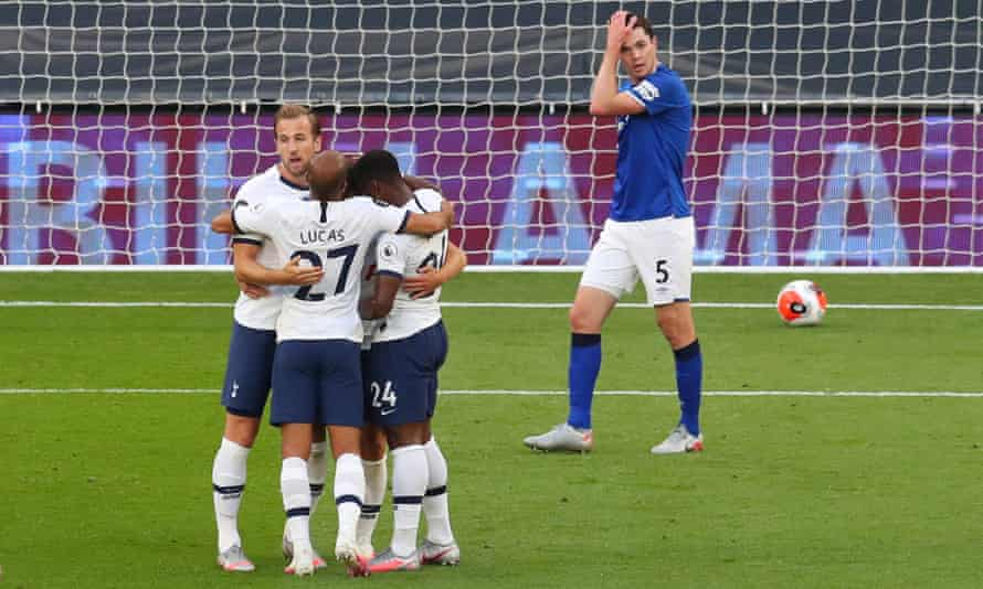 Giovani Lo Celso celebrates with his Tottenham teammates after Everton's Michael Keane scored an own-goal in Spurs' 1-0 home win.