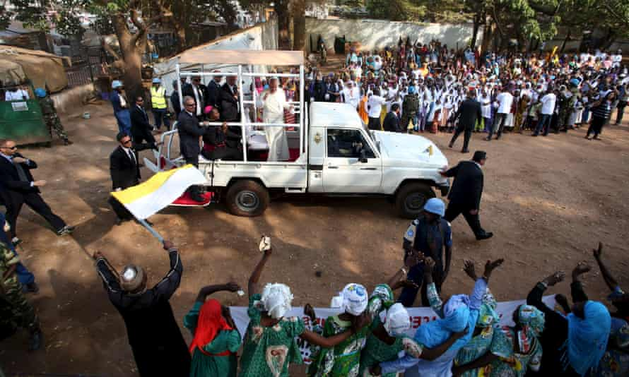 Pope Francis in the mostly Muslim PK5 neighbourhood of the Bangui.