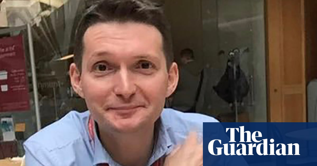 Keir Starmer aide Chris Ward to leave Labour leader's top team