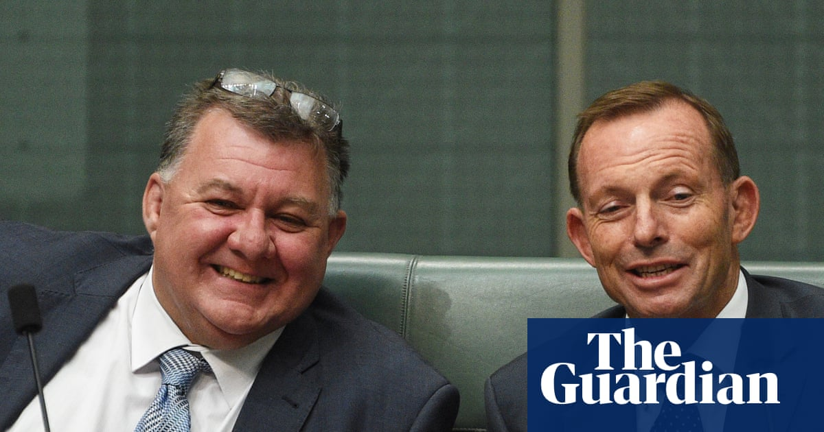 Craig Kelly MP mocks climate change 'exaggeration' in presentation to Liberal party members