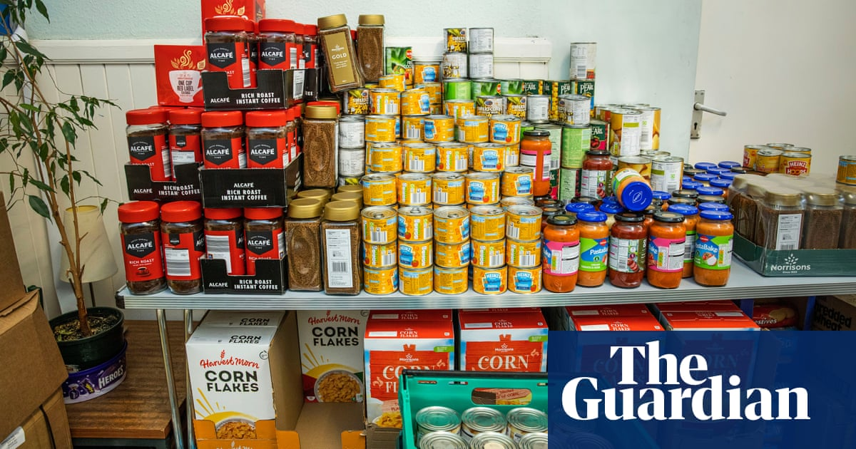 High cost of childcare in UK makes low-income parents resort to food banks