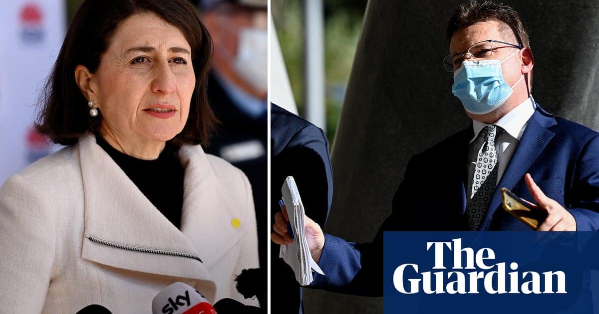 Sky News reporter Andrew Clennell hounds Gladys Berejiklian over Sydney lockdown – video