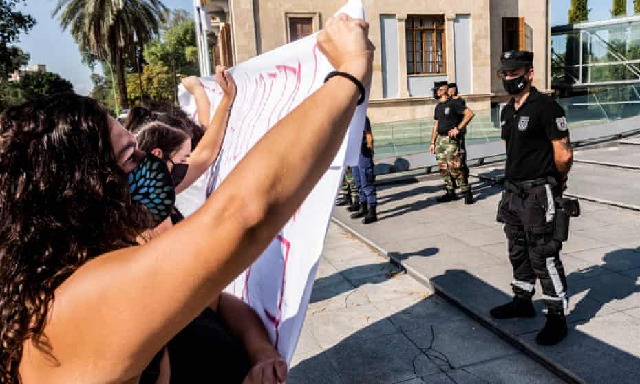 Women demonstrate in front of Nicosia's supreme court in support of the young British woman.