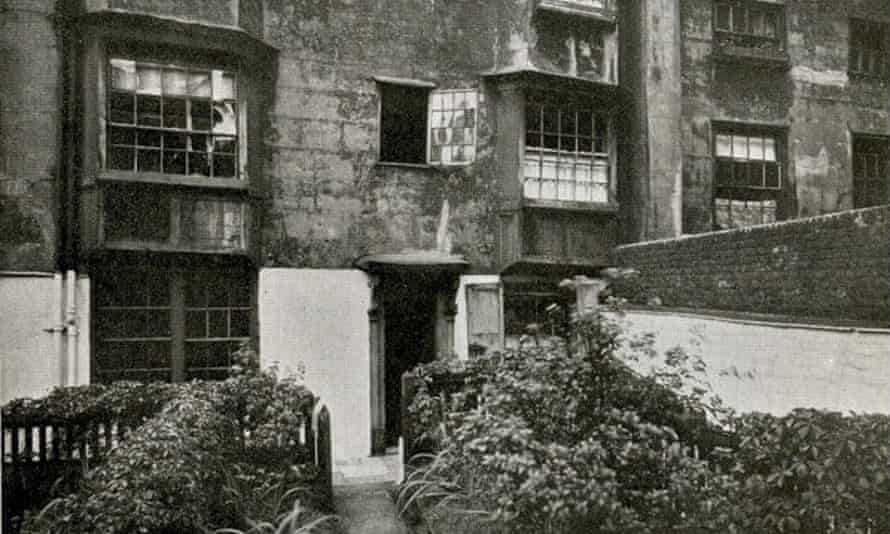 14/15 Nevill's Court, Fetter Lane, London