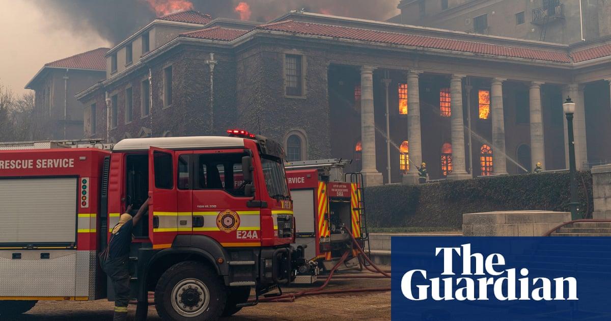 Students evacuate Cape Town university as fire damages historic buildings
