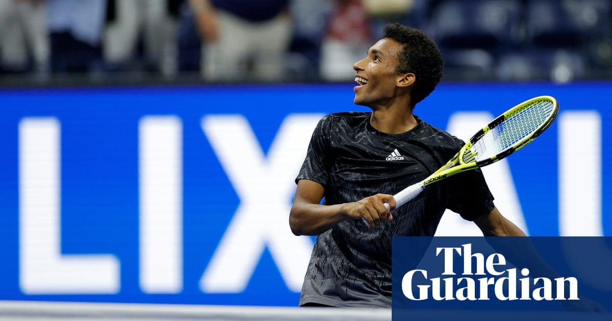 Félix Auger-Aliassime reaches US Open semi-finals after Carlos Alcaraz retires