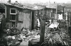 Shanty in the Zone at Saint-Ouen, c 1940